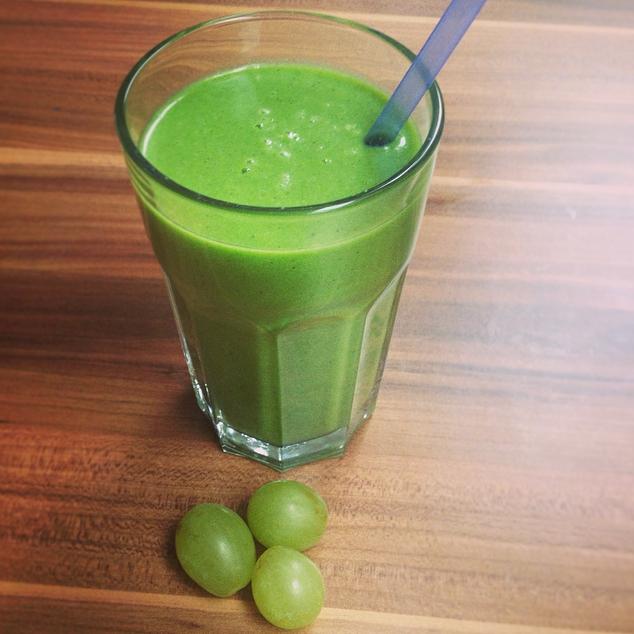 Green Power Smoothie: Kiwi-Banane