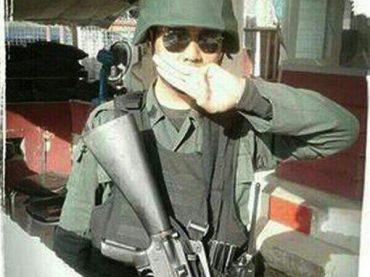 Drei Finger gegen die Junta – Wie eine Hand Angst verbreitet