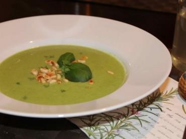 Vegane Erbsen-Kokos-Suppe