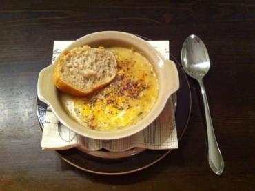 Französische Zwiebelsuppe à la végan