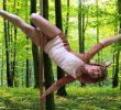 Tanzend gegen brutale Jagdpraxis. Poledance-Künstlerin Christine Unger im Interview