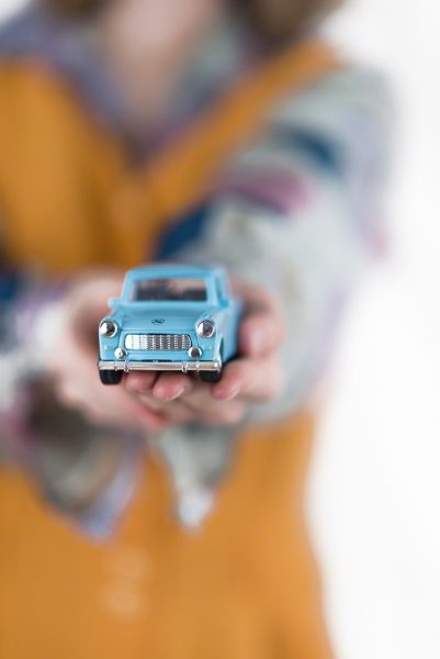 "the blue car of ""journeying"" - photo by Miriam Mehlman/Miriamblitzt"