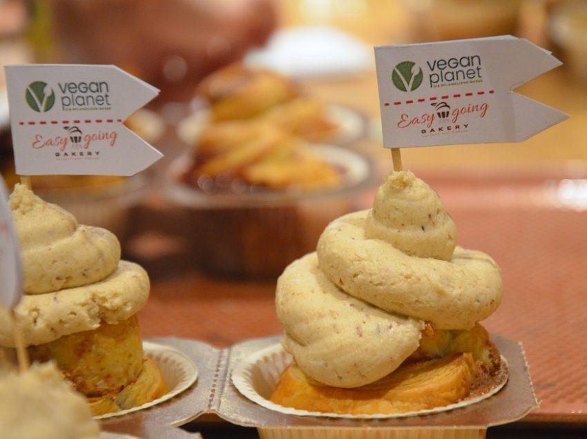 Wie man Cruffin-Cupcakes bäckt – Vegan, schnell und einfach