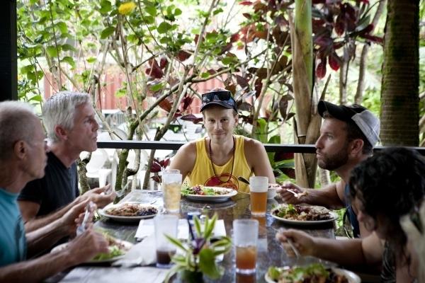 Mahlzeit - auf dem Lanai, dem Essensbereich in Kalani. Foto: Jess Scranton
