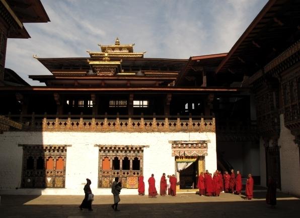 Der Besuch in Dzongs oder Tempel darf in Bhutan nicht fehlen. Foto: Doris
