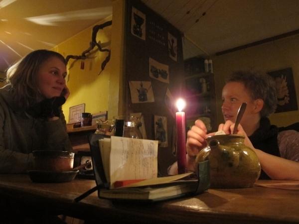 Teetrinken, Schokolade essen und plaudern - im Teegodrom möglich. Foto: Doris