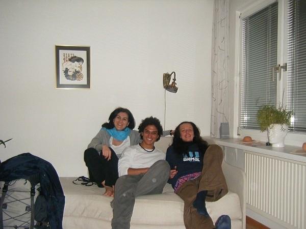 Meine Couch und Freunde. Foto: Doris