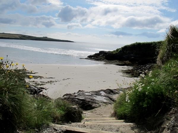 Nahe Clonakilty gibt es auch wunderschöne Sandstrände. Foto: Doris