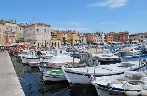 Der Hafen von Rovinj ist seit jeher ein Treffpunkt für Einheimische und Touristen. Foto: Doris