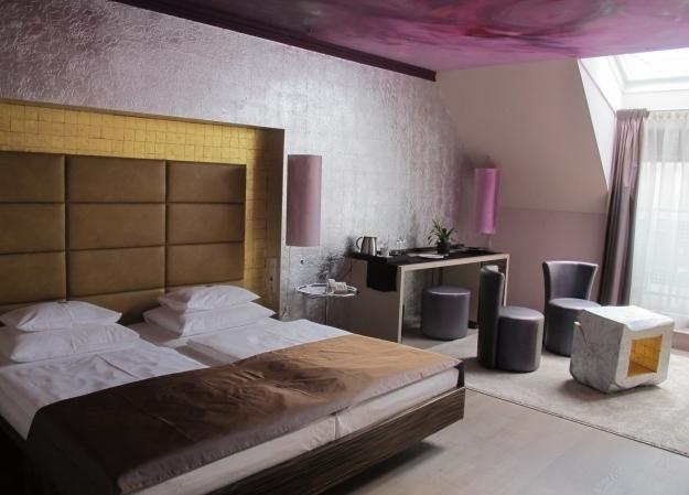 Ein ganz besonderes Designzimmer im Wilhelmshof. Foto: Doris