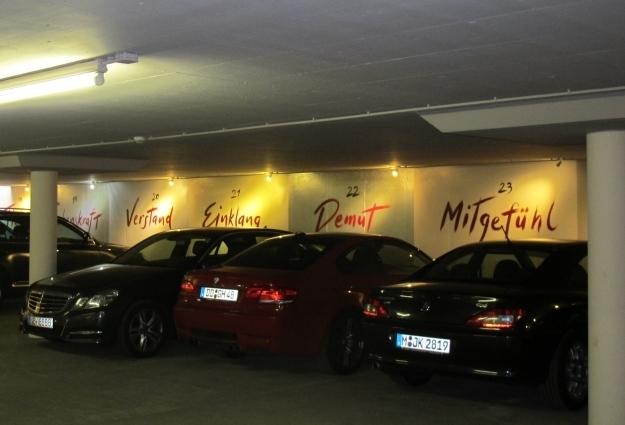 Speziell ist der Wilhelmshof, auch die Garage. Foto: Doris