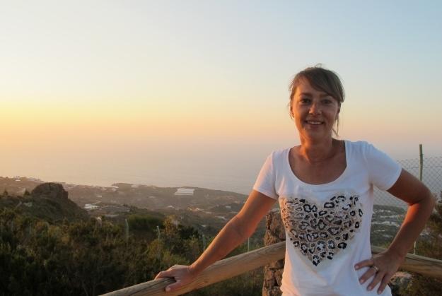 Tina führt mich durch ihr Reich, die Finca im Dorf La Guancha. Foto: Doris