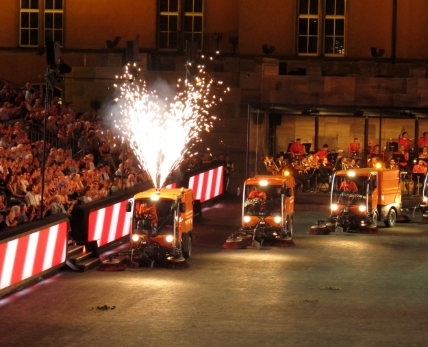 Tanzende Müllabfuhr - eine meiner liebsten Showeinlagen bei der Basel Tattoo. Foto: Doris
