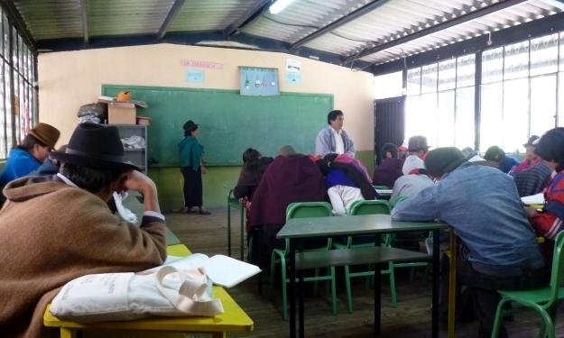 Zu Besuch in einer Schule in einem indigenen Dorf in Ecuador. Foto: Doris