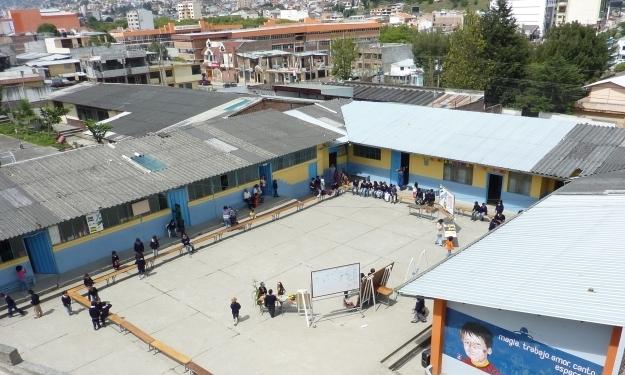 Schule Educare bietet seit 2000 ganzheitlichen Unterricht für Kinder und Jugendliche, die auf der Straße arbeiten. Foto: Cisol Suiza