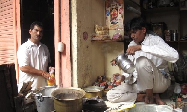 Zu Chai wird gern geladen - er wird aber auch verkauft. Foto: Doris