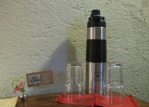 Smarte Lösungen warten überall - wie die Thermoskanne mit gefiltertem Wasser. Foto: Doris