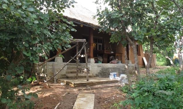 An den nächsten Lodges wird seit längerem gebaut. Foto: Doris