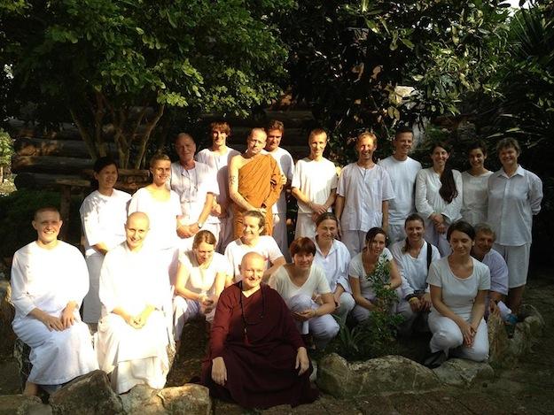 Mae Chee Bianca in ihrer Gemeinschaft. Foto: Mae Chee Bianca
