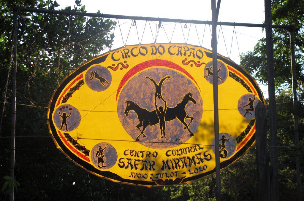 Den Zirkus gibt es schon seit Jahren in Capao. Foto: Doris